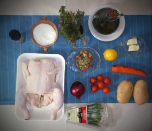 Pollo aromatizado bajo la piel