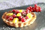 Tartaletas de crema de chocolate blanco y frutas